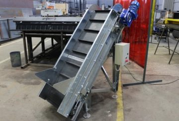 Ленточный наклонный конвейер для компании Евровуд